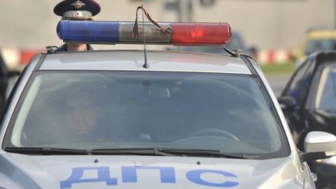 В ходе спецоперации подозреваемый наехал машиной на двух полицейских