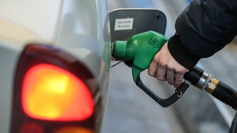 Рост цен на бензин обошелся администрации в 50 миллионов