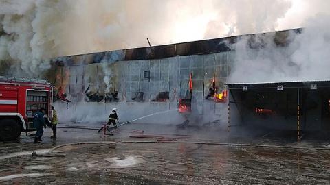 Ночью в Северке сгорел большой склад