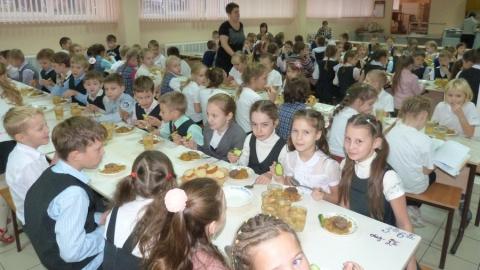 В балаковской школе детей кормили опасной едой