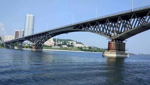 Спрыгнувшего с моста Саратов-Энгельс мужчину доставили в полицию