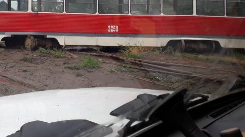На Огородной сошёл с рельсов трамвай №9