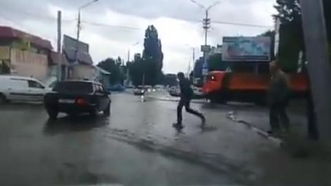 В Саратове затопило район Сенного рынка