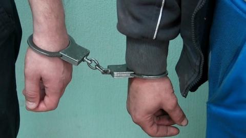 ВСаратове двое приятелей изнасиловали женщину иизрезали ееножом