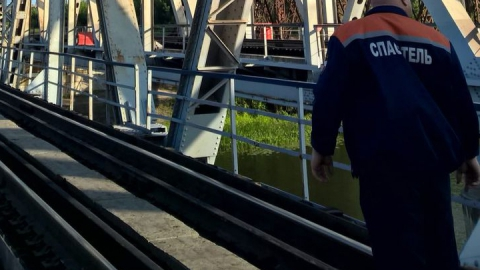 Балашовский подросток госпитализирован с ожогами после удара током на железнодорожном мосту