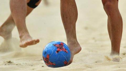 Саратовские пляжные футболисты проиграли бывшему наставнику