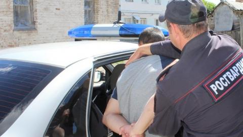 Бойцы Росгвардии поймали парня при закладке наркотиков