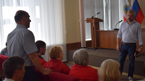 Евгений Примаков встретился с сотрудниками завода «Саратоворгсинтез»