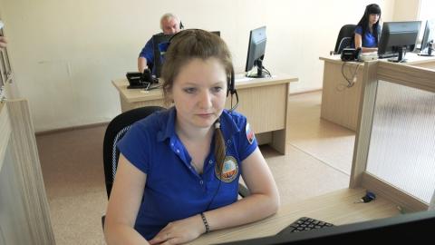 Саратовским журналистам показали центр обработки вызовов системы «112»