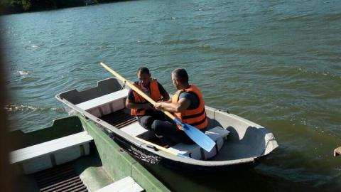 Спасатели вытащили из реки тело десятилетнего мальчика