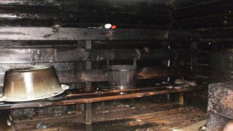 Вчера пожарные тушили две частные бани