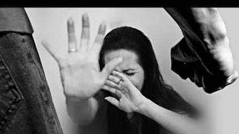 В Саратове 18-летний парень жестоко избил руками и ногами девушку