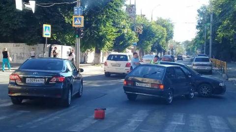 Причиной пробки на Чернышевского стала авария