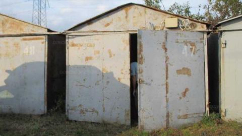 В Саратове у пенсионерки средь бела дня украли гараж вместе с воротами
