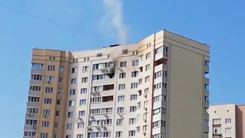 На Антонова из горящей квартиры на 18 этаже эвакуированы трое