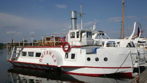 Владельцы арестованной «Цыганки» обвинили приставов в угоне судна