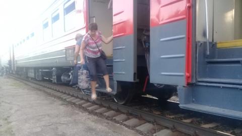 Дачники жалуются на опасную для жизни платформу на 2-ой Расловке