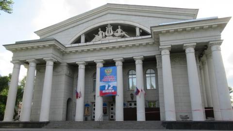 Директора саратовской фирмы осудят по делу о мошенничестве в оперном театре