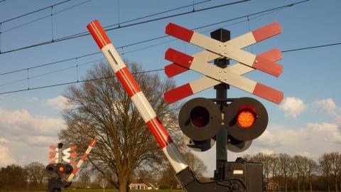 В Саратове временно закрываются железнодорожные переезды