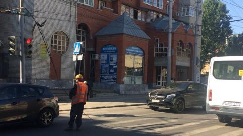 На Чернышевского из-за работ СГЭТ блокировано движение троллейбусов
