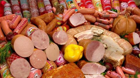 Российские мясники просят поднять цену на колбасу
