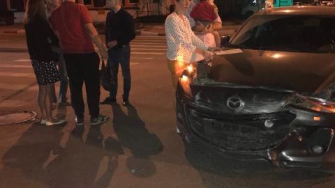 Сотрудник Центра фиксации административных правонарушений устроил аварию на Вольской