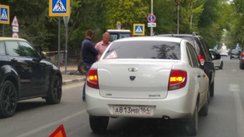 Авария спровоцировала пробку на Большой Казачьей