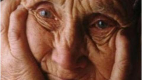 В Саратове девушка ограбила 93-летнюю старушку