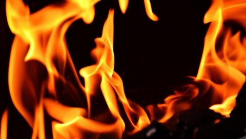 МЧС: Причиной пожара в доме на 40 лет Октября стал поджог