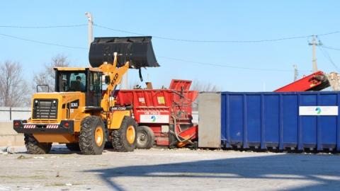 Продолжается зачистка контейнерных площадок от КГО