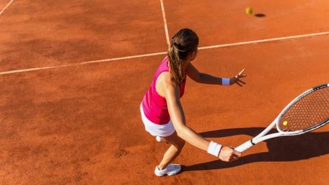 Саратовская теннисистка в США уступила израильской