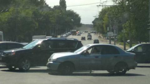 В Саратове блокировано движение по проспекту Энтузиастов