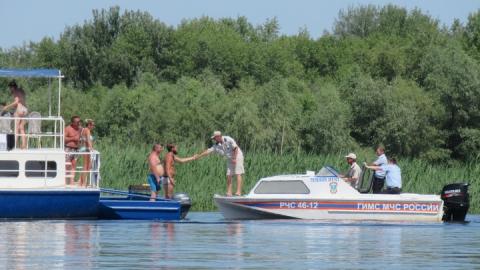 Пусть лучше лодки выпадают за пределы области, чем доходы областного бюджета