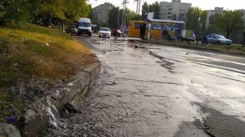 Вода заливает конечную остановку маршрута №73