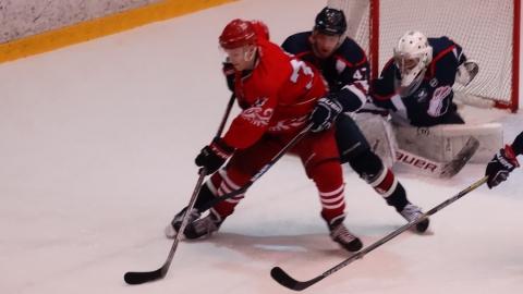 Саратовские хоккеисты проиграли домашний матч в овертайме