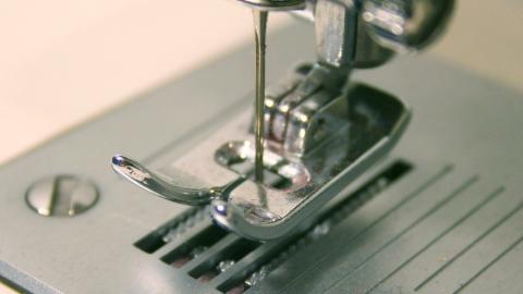 Задерживающий зарплату директор швейной фабрики предстанет перед судом