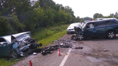 В Саратовском районе Mazda врезалась в «Ладу» и «шестерку»