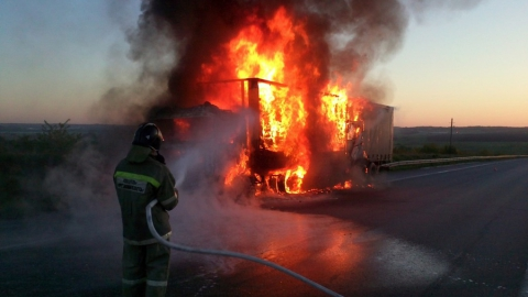 На трассе Р-22 Каспий горела фура