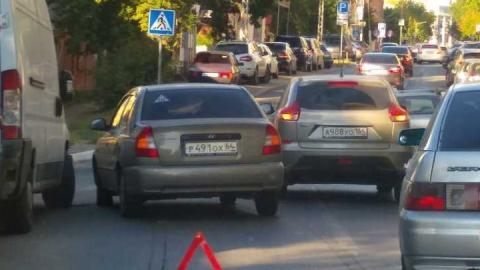 Улица Мичурина встала в пробке