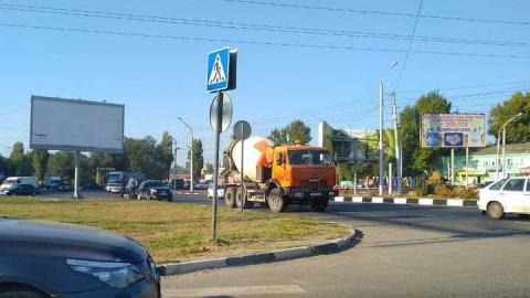 В Ленинском районе в аварию попала бетономешалка