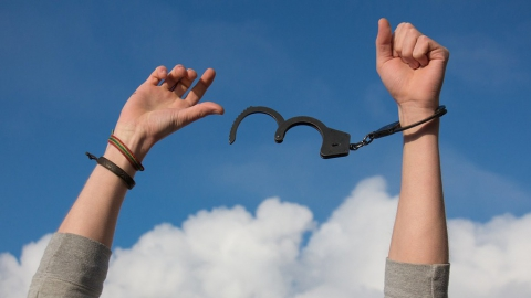 В Саратове за сбыт наркотиков задержан 17-летний парень