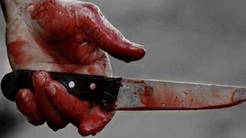 Сын ножом исполосовал престарелого отца