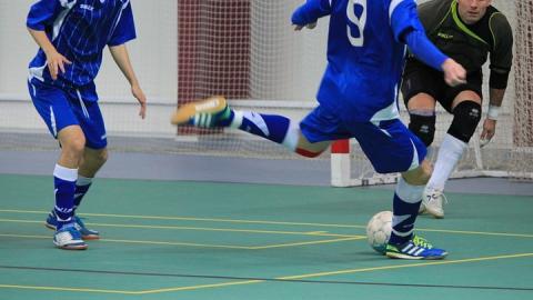 Саратовские мини-футболисты победно начали Кубок России