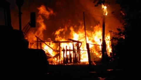 Ночью в Балакове горел неработающий цех