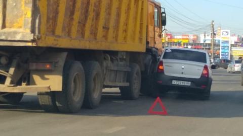 Из-за аварии заблокировано движение на Вольском тракте