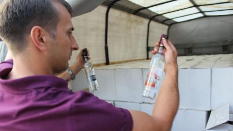 """В Саратове задержали """"ГАЗель"""" с тысячей литров """"слабоалкогольной"""" водки"""