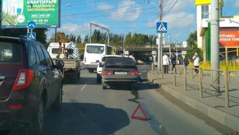 Из-за ДТП у стадиона «Волга» образовалась транспортная пробка