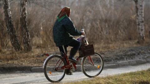 Пожилая велосипедистка погибла под колесами авто