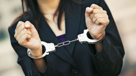 Просящая милостыню уголовница украла у 91-летнего старика кошелек с деньгами