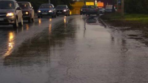 Вода заливает улицу Гвардейскую